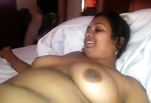 Desi Sheila blowing owner in guest-house