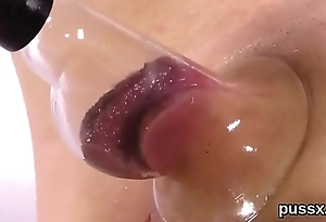 European nympho enjoys bizzare toy and plunges titanic sex toy in snatch