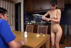 Akubi Yumemi unconditionally can't live without leg her twat on cam